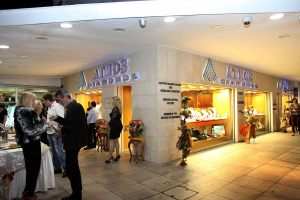 Xmas-parties-at-Athos-Diamond-Jewellery-730